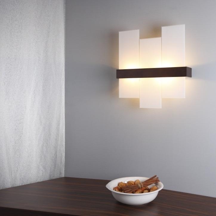 Moderne futuristische Wandleuchte aus Holz für das Schlafzimmer